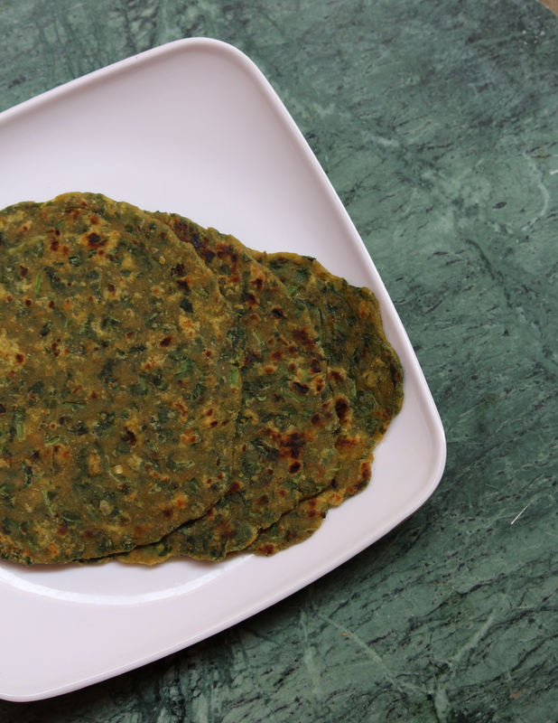 Palak roti recipe or spinach roti yummy indian kitchen palak roti or spinach roti forumfinder