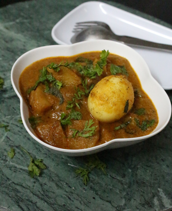 potato kurma recipe or potato korma recipe or aloo kurma