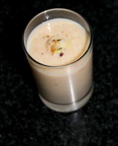sapota-juice-chikoo-juice-milkshake