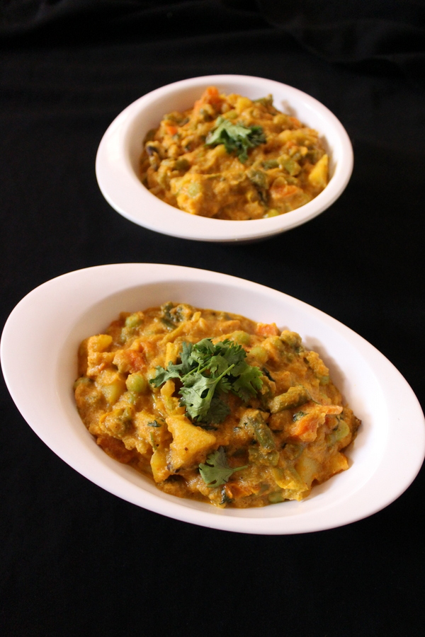 how to make vegetable kurma or veg korma