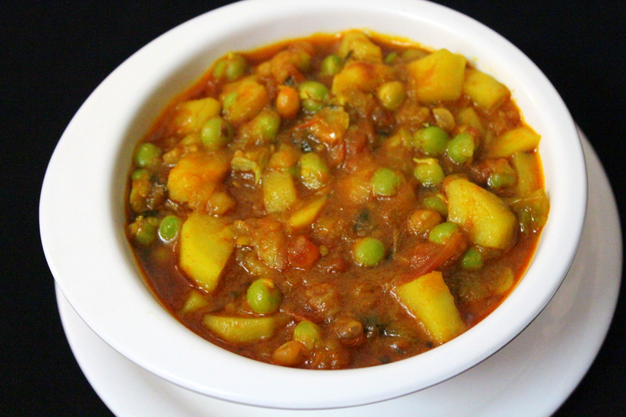 Aloo Matar Recipe Aloo Mutter Masala Gravy Yummy Indian Kitchen