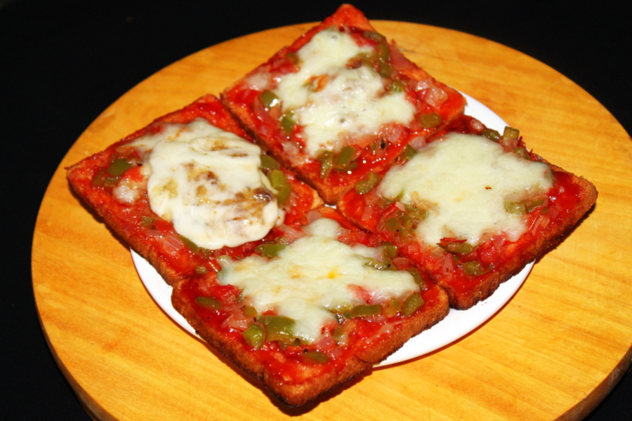bread-pizza-on-tawa-bread-pizza-recipe-without-oven