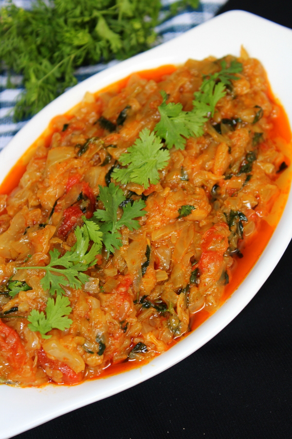 patta gobhi curry or cabbage curry