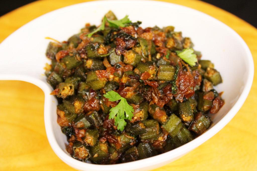 Bhindi Ki Swadisht Sabzi Bhindi Ki Sabji Banane Ka Aasaan Tareeka Yummy Indian Kitchen