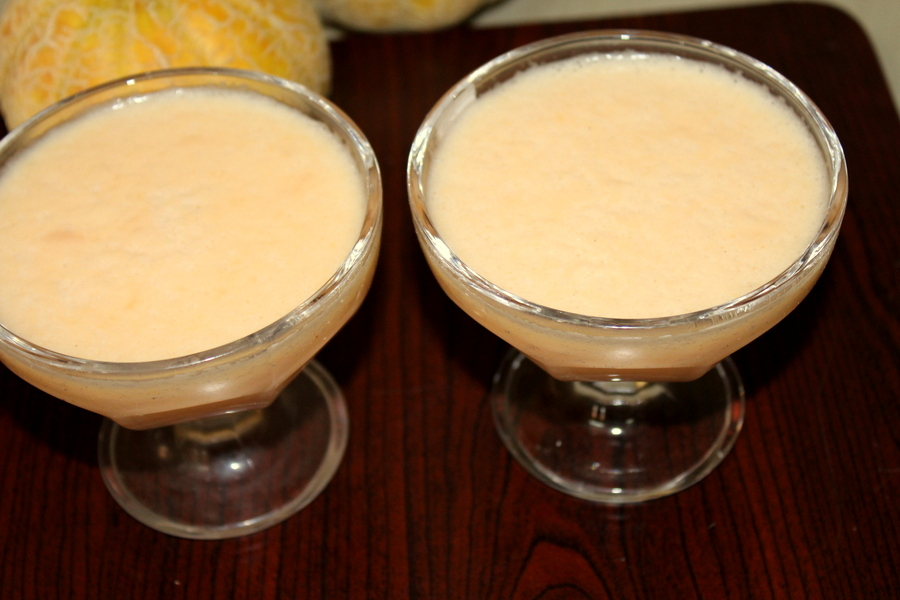 muskmelon juice or kharbuja juice or cantaloupe
