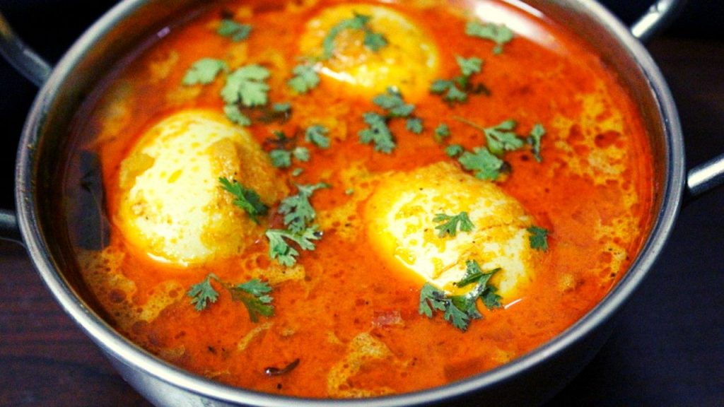 egg kulambu or muttai kulambu recipe
