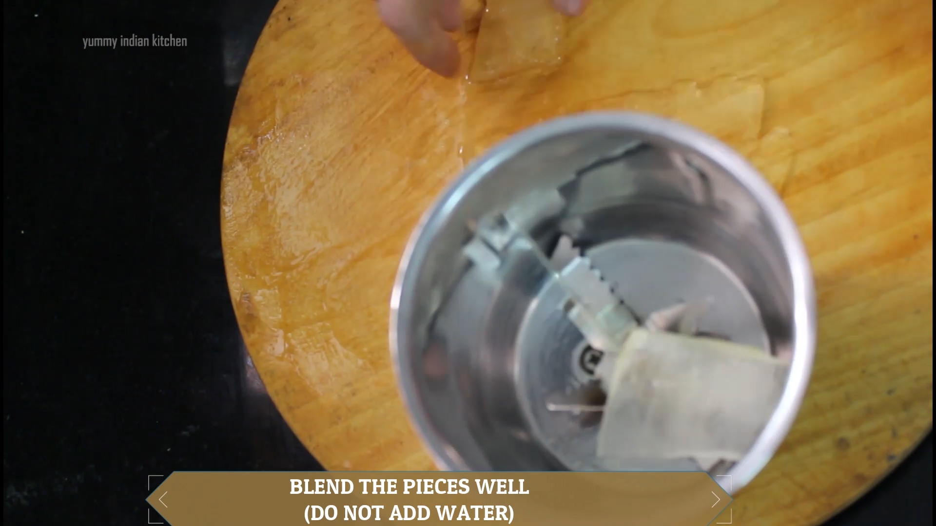 adding the gel pieces in the jar