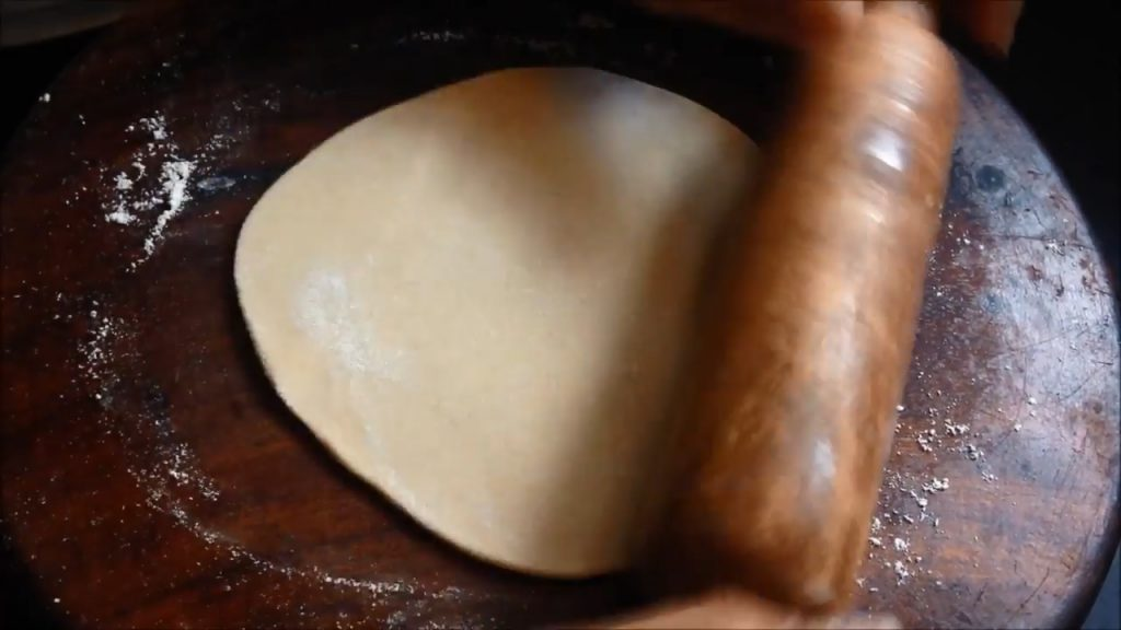how to roll roti