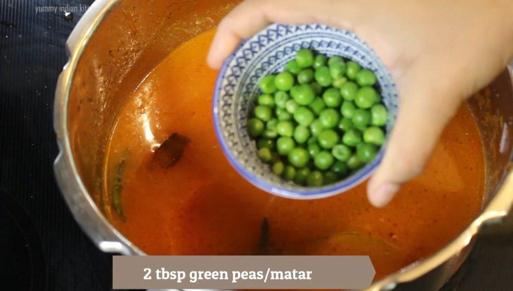 adding peas to the rice bath