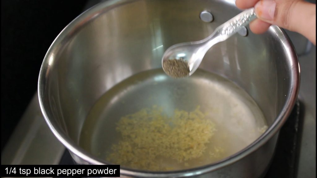 showing black peppercorn powder to add into the water