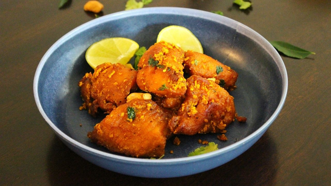 apollo fish fry on a plate with lemon wedges