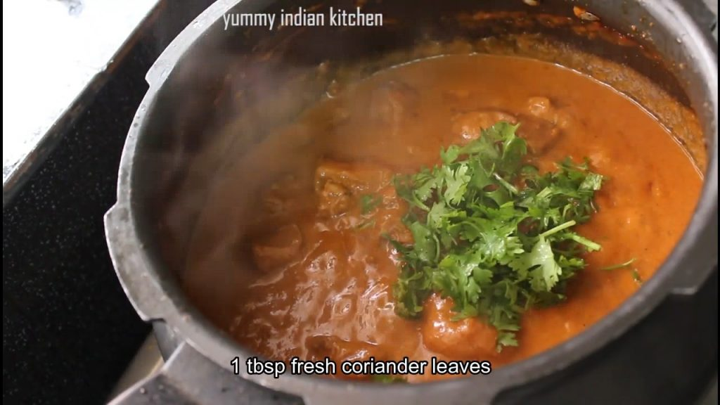 add freshly chopped coriander leaves and lemon extract to the chicken gravy
