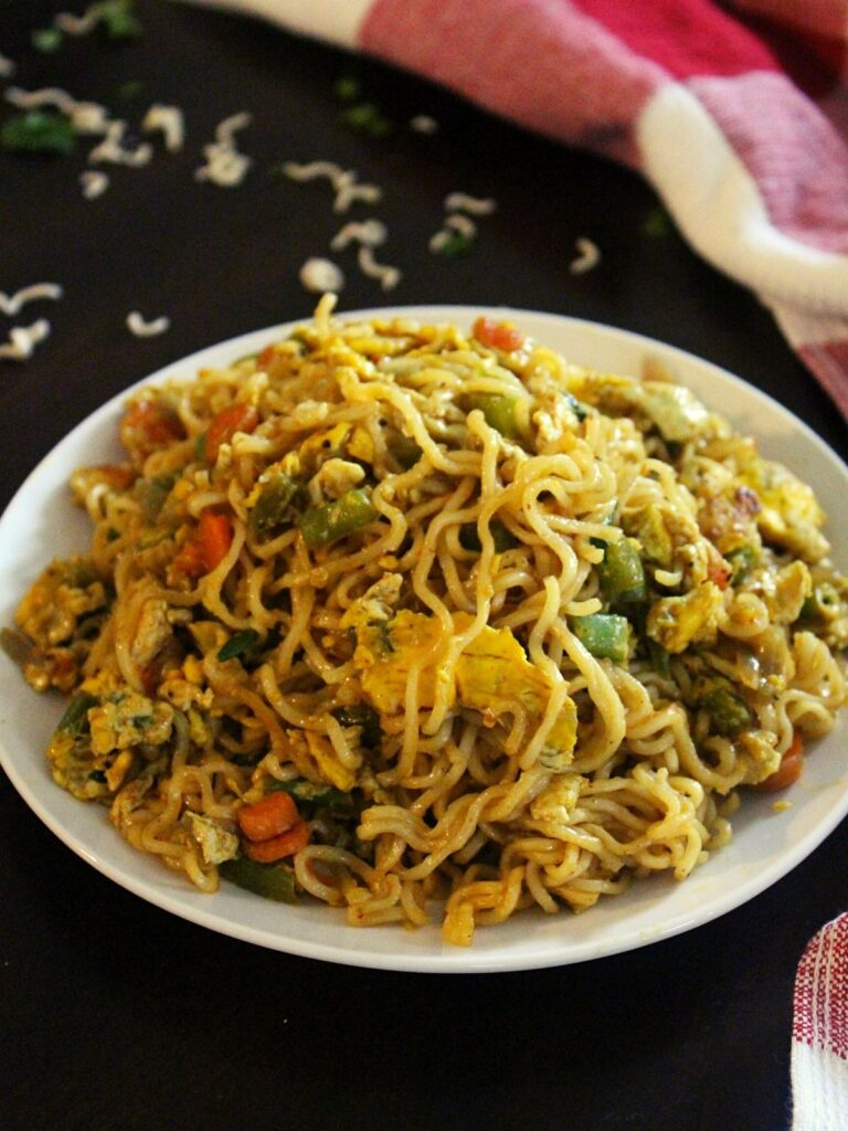 egg maggi served in a plate