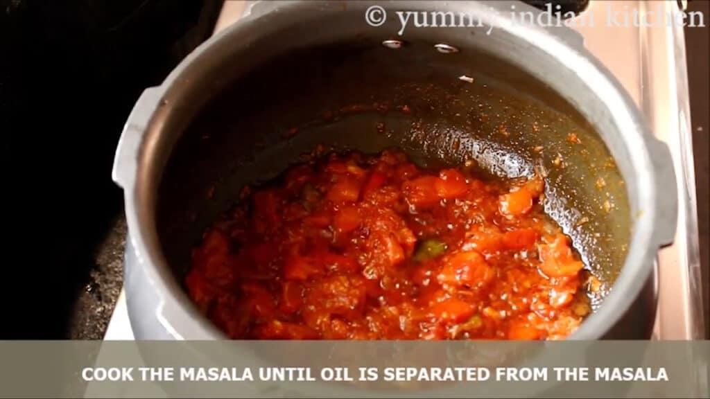 Cook the onion tomato gravy