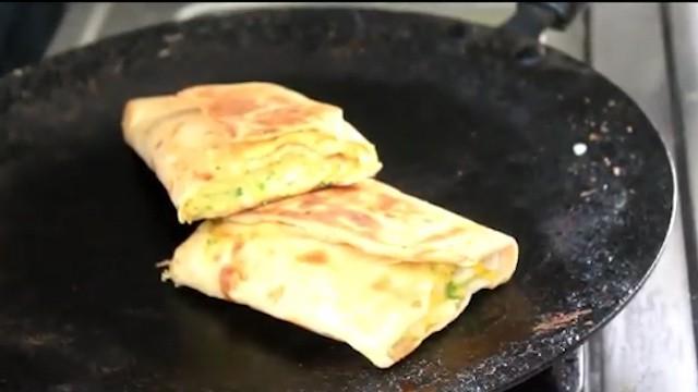 serve the egg paratha